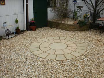 Paving doncaster natural stone paving slabs for Garden designs with stone circles
